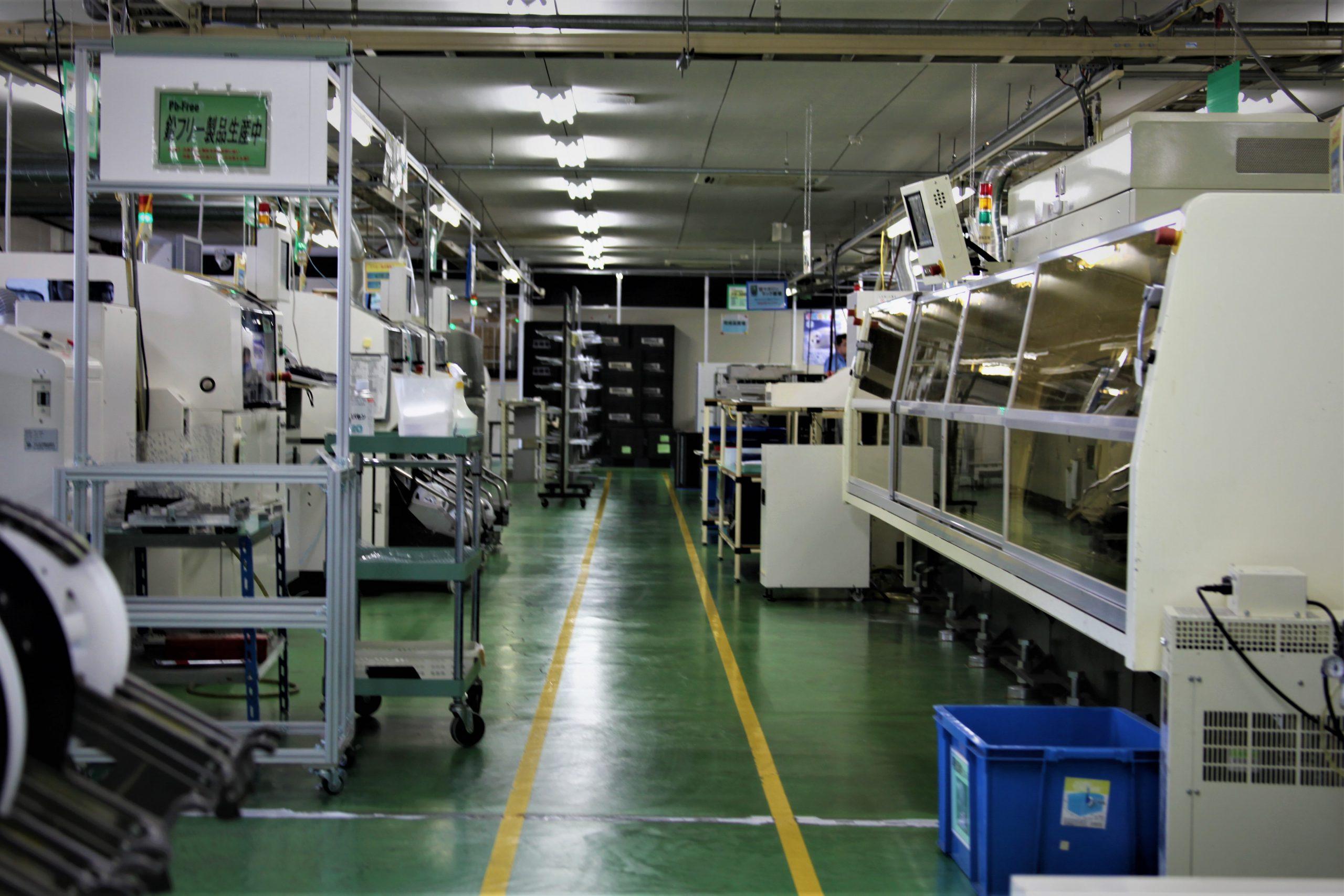 キレイに整理されている工場内部