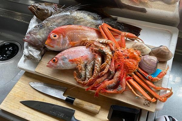 魚介類が並ぶ写真